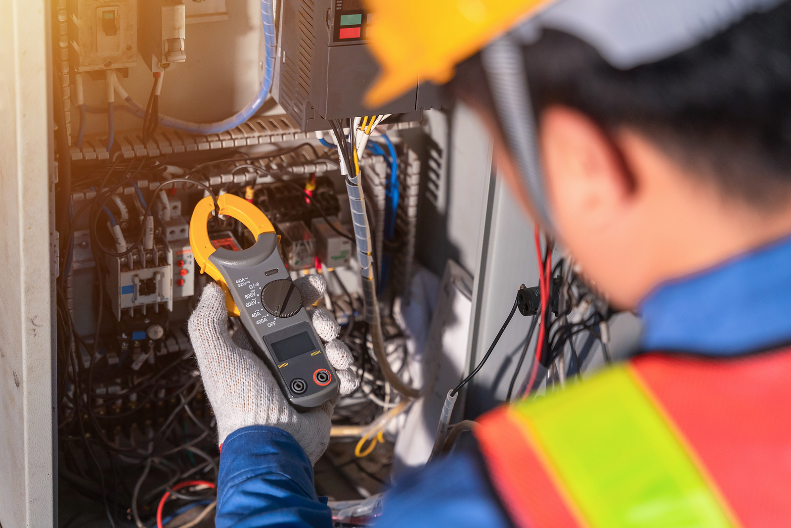 Is Your Electricity Leaking: GROUND FAULT CIRCUIT INTERRUPTERS or (GFCI's)